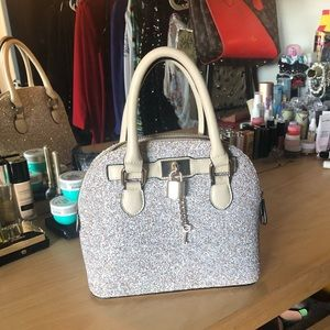 Cute Aldo white shinny handbag